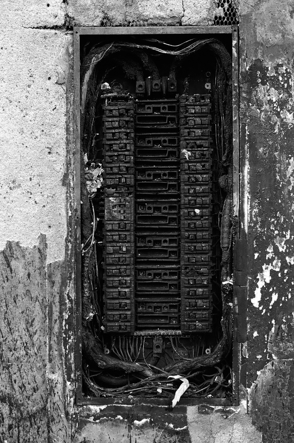 burned fuse box burned fuse box blown 20 amp fuse box \u2022 wiring diagrams j squared co fuse box burning smell at fashall.co